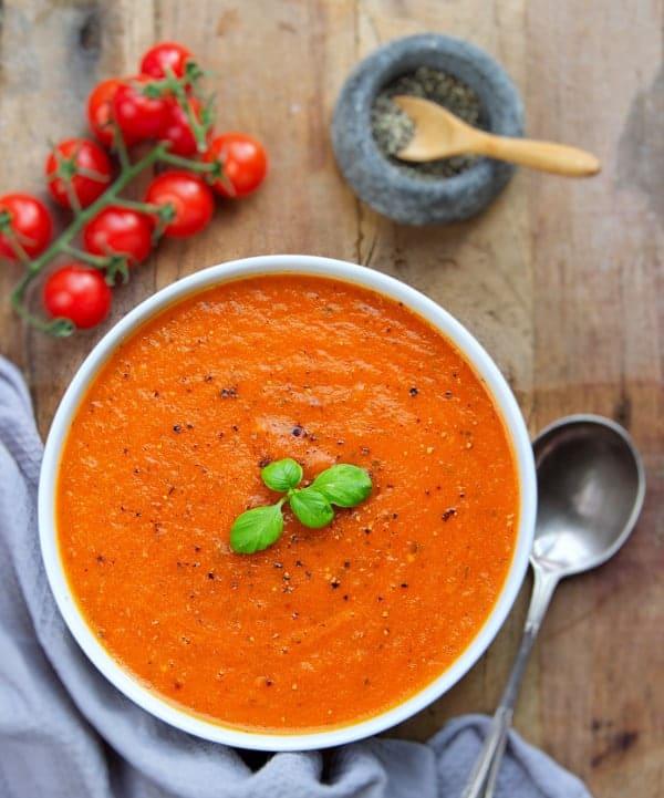 tomato & basil soup top