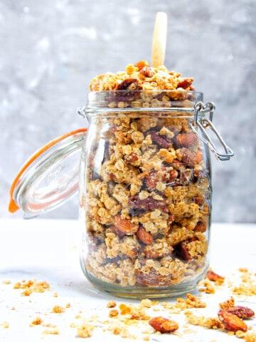 Crunchy Peanut Butter Granola