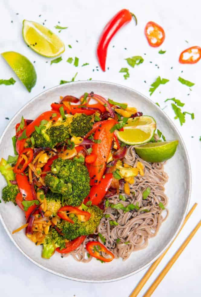 15 Minute Broccoli & Cashew Stir-Fry - top bowl